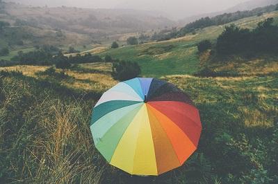 Due uomini, un ombrello e una valigia: presentazione e intervista a Paolo Agazzi